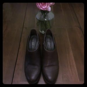 Cute Born Crown brown leather booties Sz 11